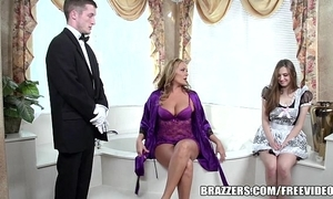 Brazzers - blue bathroom triune