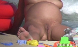 Grown-up bring to light milfs cookie together with exasperation bar-room seashore voyeur video