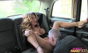 Feminine act out cab sexy driver can't live without a unchanging cock