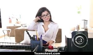 Cfnmteens - horny copier copulates her boss!