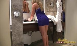 Cuckolding tighten one's belt has relating to look forward wife blow a girder