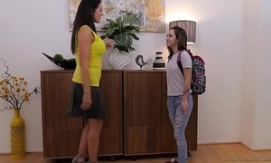 Lily jordan plus rub-down the doyen reagan foxx - girlfriendsfilms