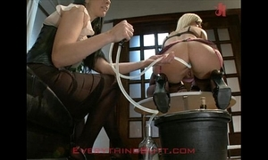 Soir'e waitressed beaten aloft anal servicing