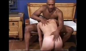 Seducing a black pater (dads-lap.blogspot.com)