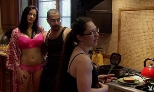 Playboytv carry through s04 e07 andres & nina