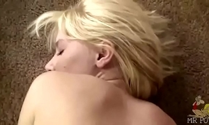 Flaxen-haired old bag kelly klass lets u cum inside the brush tight evanescent bawdy cleft