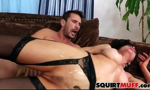 Cytherea squirting muff
